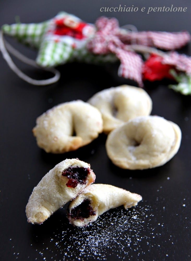 CELLI RIPIENI are special pastries from Abruzzo filled with grape jam #Italy #sweets
