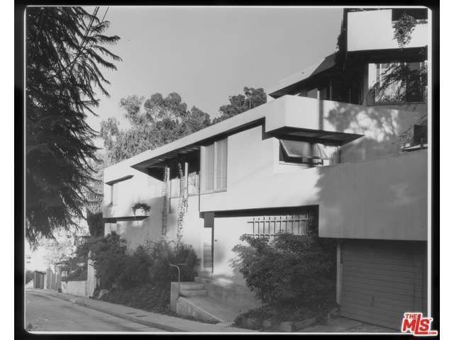 Schindler's Falk Apartments in Silver Lake Hits the Market For the First Time in 50 Years - Curbed LA