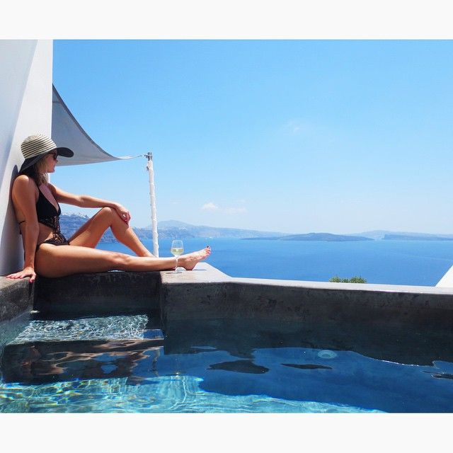 Take the most artistic photo by the #pool of #AndronisSuites #Santorini Photo credits: @lindsry