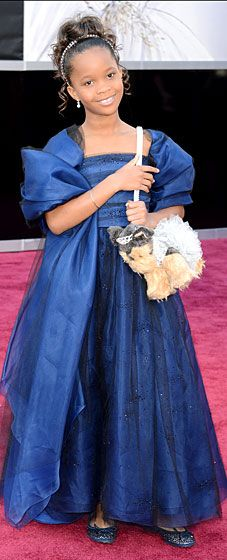 Quvenzhane Wallis wears a Giorgio Armani dress and looks super adorable on the Oscars 2013 red carpet!
