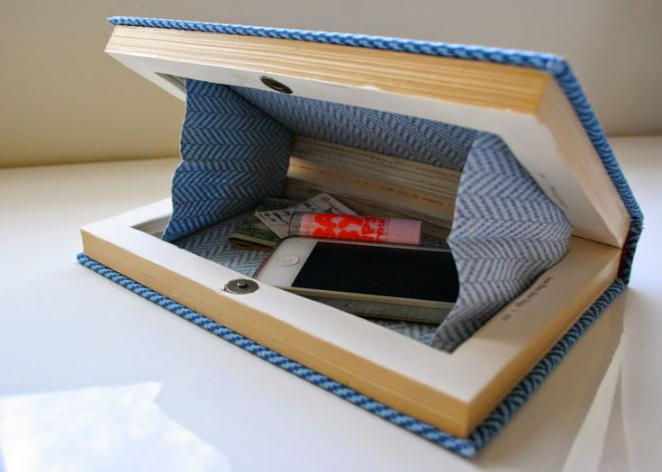 Turn an old book into an awesome homemade clutch!