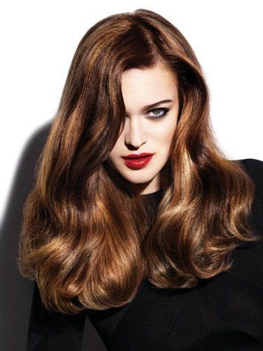 Pictures : Fall Hairstyle Ideas: New Haircuts and Colors You'll Love! - Medium Brown Hair With Golden Highlights