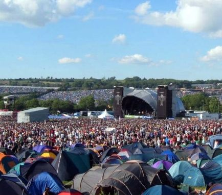Glastonbury 2014 Tickets Sold Out on First Day - News - Bubblews