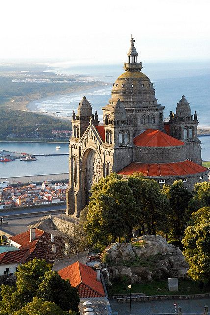 Viana do Castelo, Santa Luzia, Portugal. The building is just beautiful. Some people live in these places!