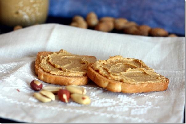 Burro d'arachidi naturale, fatto in casa