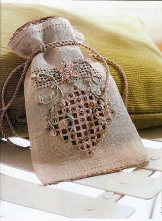 Hardanger & casalguidi pouch by Via Laurie of Chameleon Threads