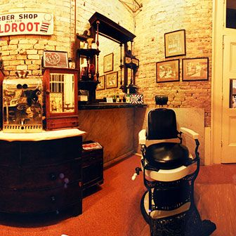 1000+ images about Barber shop on Pinterest | Barber Chair, Barbers ...