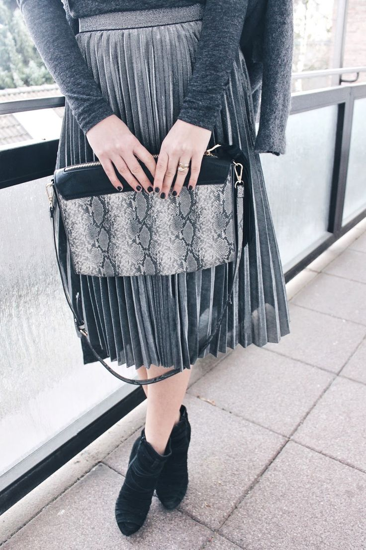@Official_SheIn #ootd #pleatedskirt outfit daily shades of grey