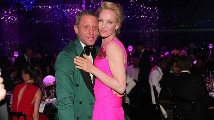 La actriz está FURIOSA con el exabrupto del ganador.   FOTOS: DailyMail.co.uk Uma Thurman le puso un precio a sus besos en la subasta solid...