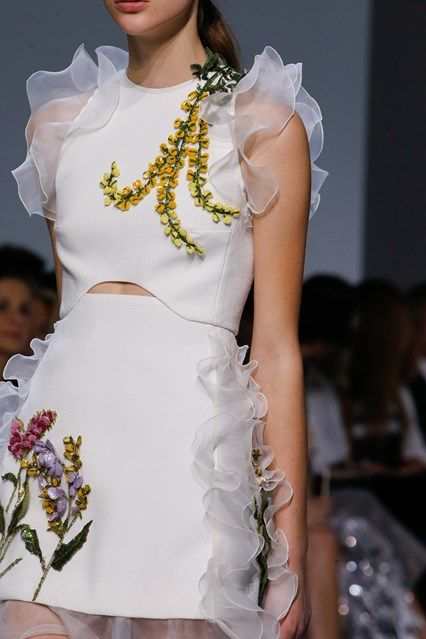 Giambatista Valli spring/summer 2016 Haute couture in its most floral form
