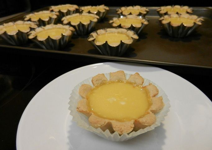Egg tarts are beloved by many in Hong Kong. The taste of the flakey crust and warm silky custard is just heavenly