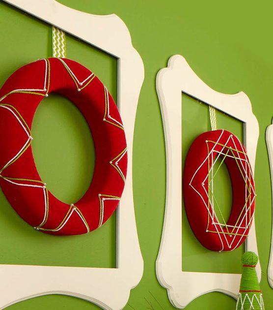 Cute Felt Wrapped Wreaths for the holidays! #fabulouslyfestive