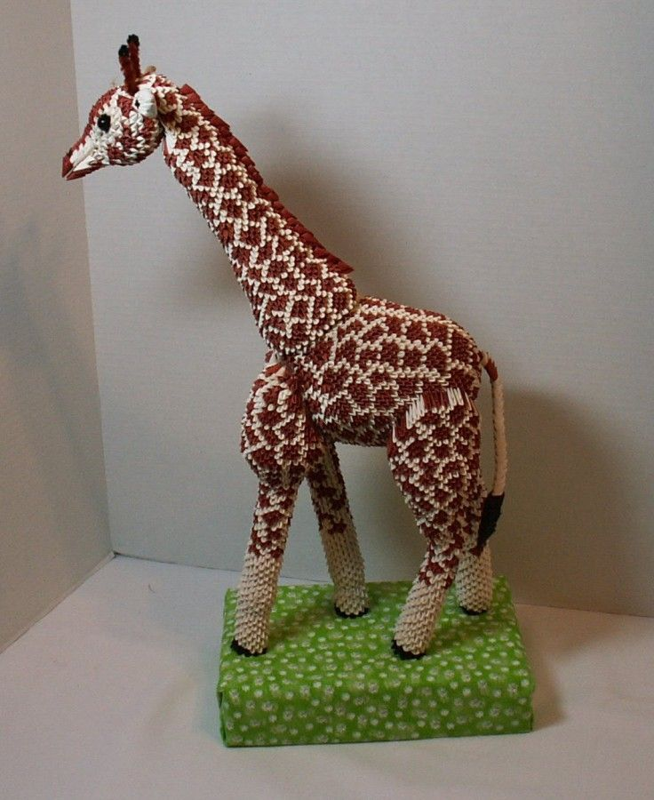 Giraffe 5.JPG…   Album   Heidi Lenney   3D Origami Art