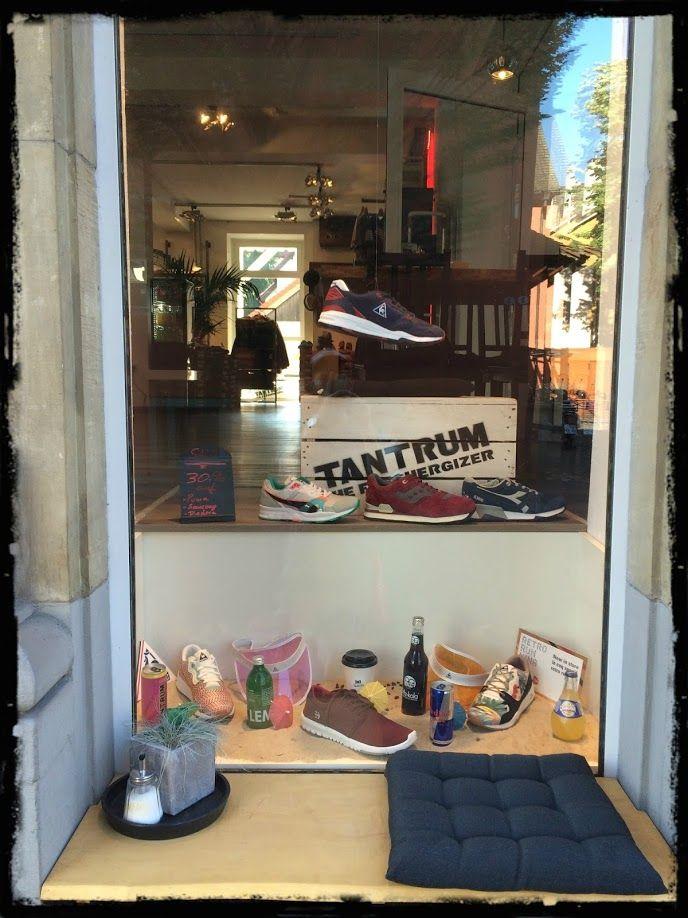 Schaufenster der Sneakerbar in Konstanz. #Einzelhandel