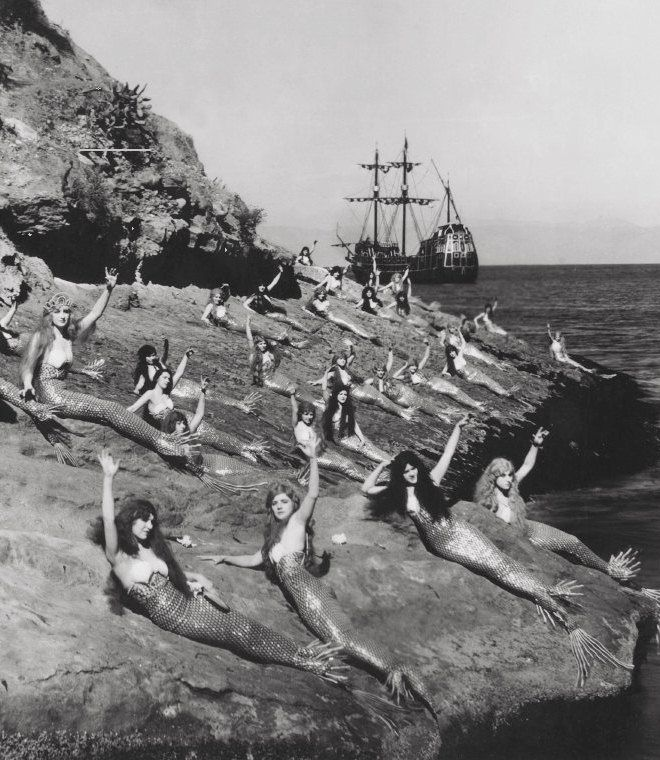 Mermaids on the set of Peter Pan, 1924//