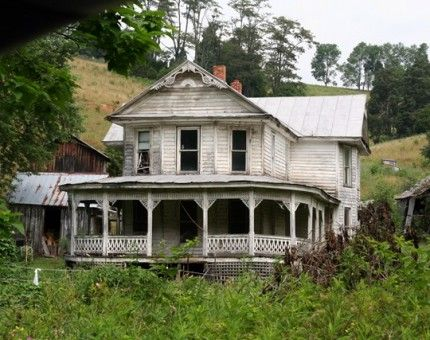 Abandoned house in Sycamore, Virginia.  Imagine sitting on this porch when the house was in its prime....sighhhhh......