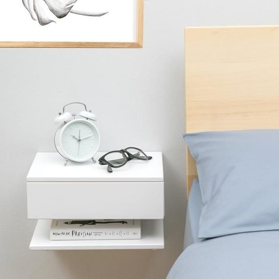 Floating Bedside Table Idee Per Piccole Camere Da Letto