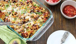 Farklı tarifler denemek isteyen, ve yeni lezzetlerin düşkünleri için gayet pratik ve leziz bir tarif Taco Casserole. Güzel bir akşam yemeğinde bir bardak şarapla sizi çok mutlu edecek :)  Tarifi;  meksika.yemekleri.tv  #meksika #yemekleri #mutfağı #baharatlı #tarifler #dünya #değişik #yemekler #yemek #tarifleri #taco #casserole #tarifi