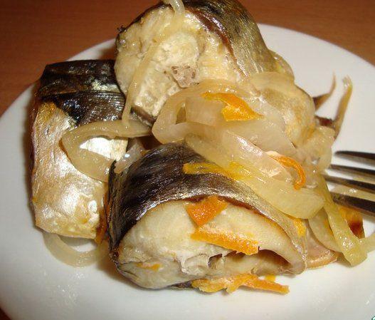 Натолкнула меня на приготовление скумбрии в банке коллега, за что ей огромное спасибо! Старый и надежный способ приготовления рыбы в собственном соку, минимум телодвижений, и рыба получается - песня,…