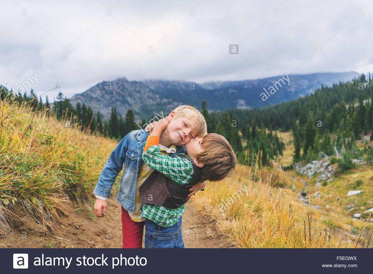 Umarmen Und Küssen
