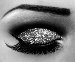 Beautiful Glitter Eyeshadow - The perfect Glitter Eye Makeup Tutorials can be