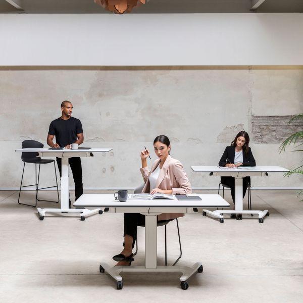 Talent 500 Von Actiu Ist Ein Rollbarer Und Hohenverstellbarer Klapptisch Optimal Als Schreibtisch Und Seminartisch Tisch Schreibtisch Mobiler Schreibtisch