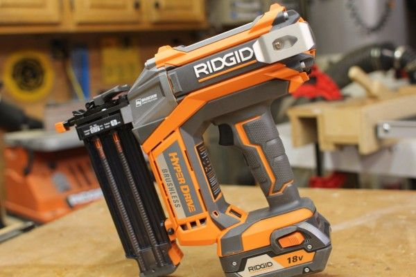 RIDGID 18 Gauge 18 Volt Brushless Brad Nailer
