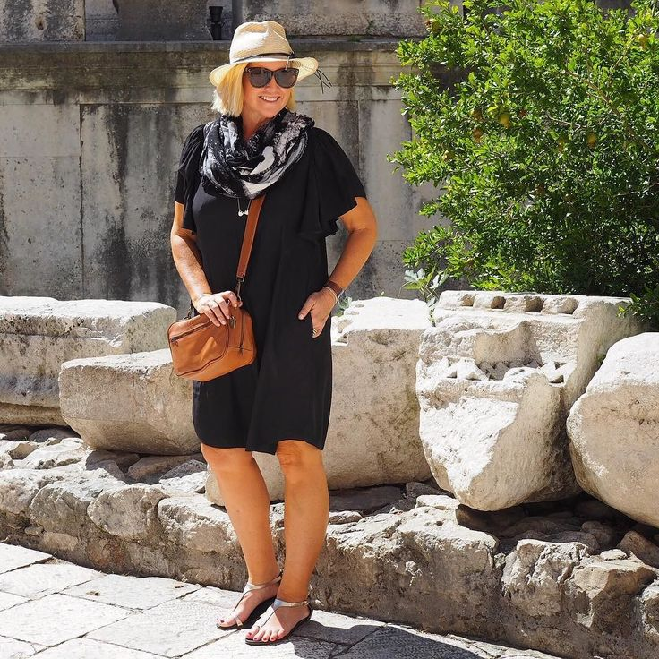Today's #everydaystyle ... we landed in Split Croatia last night and immediately fell in love for this city. Our apartment is right in the heart of the Diocletian's Palace looking out one of the squares. Getting our Game of Thrones on this afternoon (scenes from Mereen were filmed here) but right now am by the water at a local beach (more on my Insta Story). Wearing: @melapurdie flutter sleeve dress from @zambezee_boutiques (last summer but may be still available); @frankie4footwear ViCTORiA…