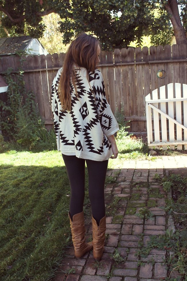 Katie from 'Katie did what' in the Aztec Open Cardigan in Cream from www.shopriffraff.com!