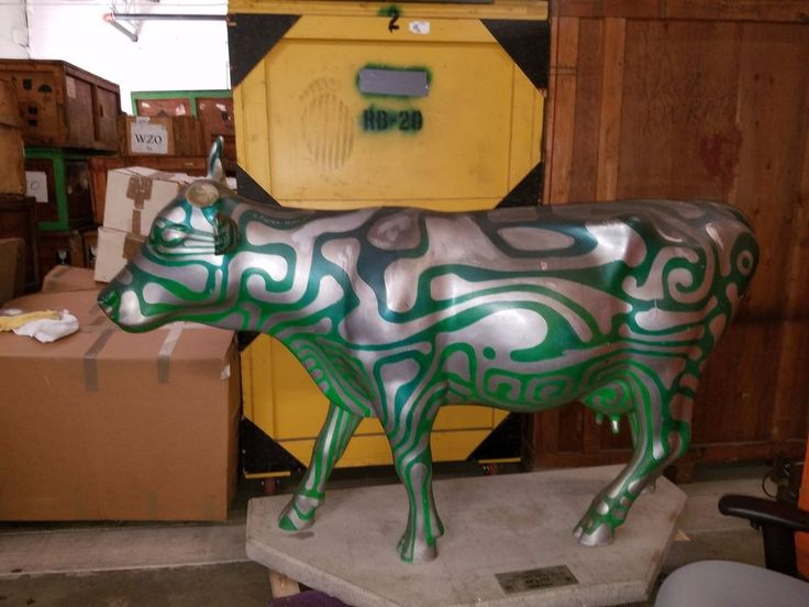 Title:	Circuit Cow Artist:	Charles Foster-Hall Sponsor:	CowParade New York | Collectibles, Animals, Farm & Countryside | eBay!