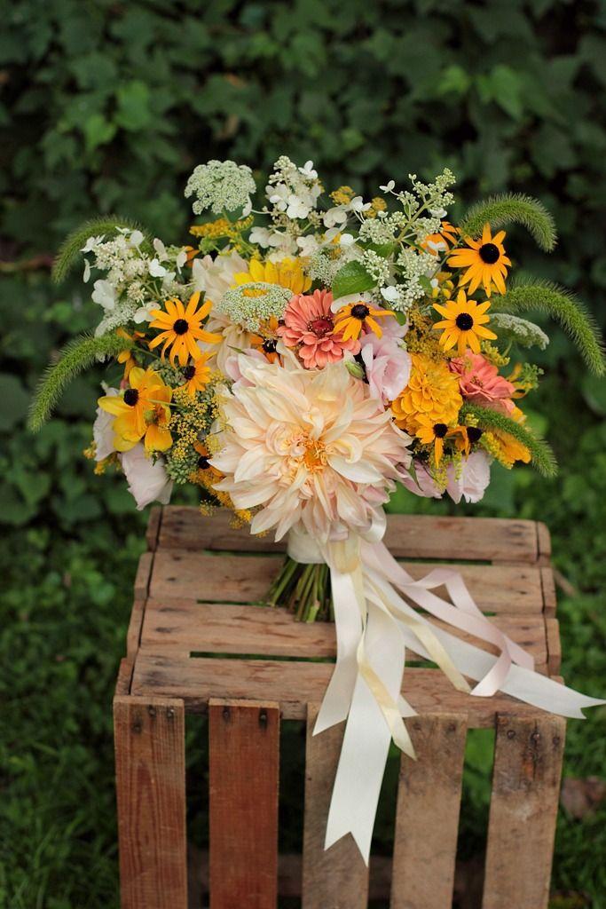 Garden Style Bridal Bouquet. Dahlia, Zinnia, Black Eyed Susan, Hydrangea, Queen Anne's Lace.