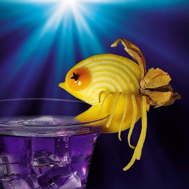 Let's continue ocean theme :) #bar #bars #bartenders #bartender #drink #garnish #iba #cocktail #cocktails #fruitcarving #foodcarving #carving #everivyclothing #food #drink #cocktail #alcohol #beverage #tgif#handmade