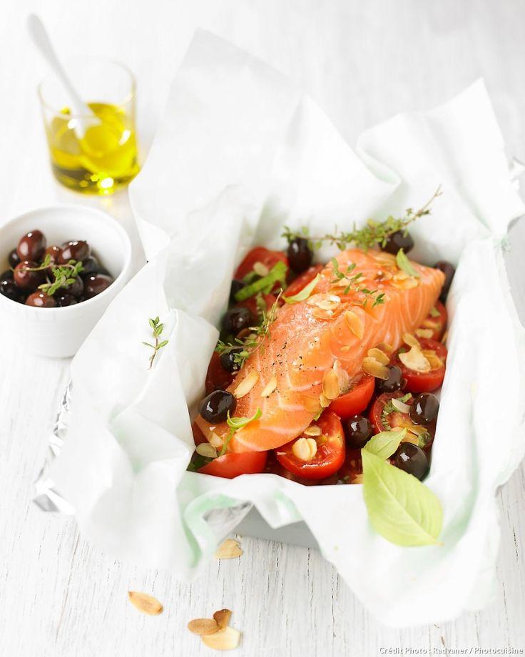 Papillote de saumon, tomates cerises et olives noires - Pour accompagner le saumon, un riz basmati ou, mieux, un risotto de boulghour ou de quinoa. Ajoutez-y des amandes torréfiées en accord avec le plat.