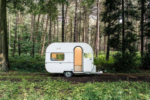 千萬別小看Mini 露營車,妳得先看看它裡面藏些什麼。