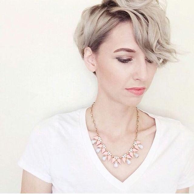 11 hübsche Frisuren für den Übergang …, nennt man die kurz oder ...? Urteile selbst! - Neue Frisur