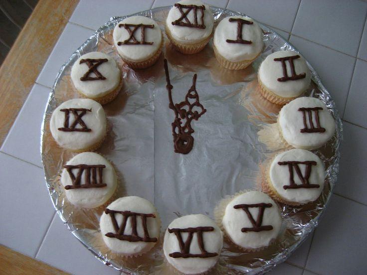 Cupcakes like a clock idea