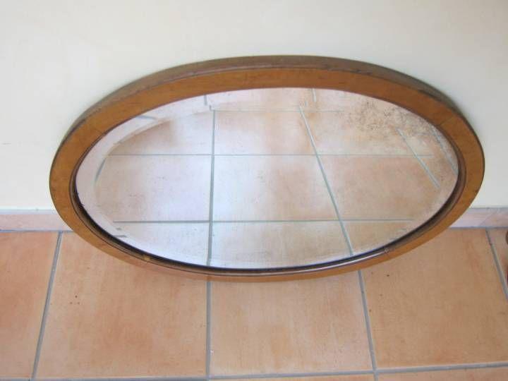 les 25 meilleures id es de la cat gorie miroir ovale sur pinterest int rieur du studio. Black Bedroom Furniture Sets. Home Design Ideas