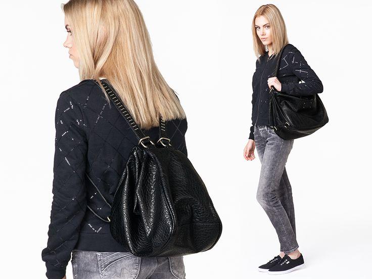 Nie potrzebujesz dwoch roznych torebek, aby zmienic swoj #styl  Torbe #pepejeans #umeko z klasycznej formy, blyskawicznie zmienisz w modny #plecak  Dostepna w dwoch kolorach! #torba #akcesoria #new #newarrivals #newcollection #bags  @alina.kolodziejczyk