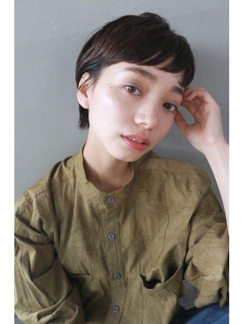 ナヌーク シブヤ(nanuk shibuya)【nanuk】眉上のワイドバングで個性をプラス◇タイトショート