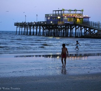 40 best fishing piers in the beautiful state of texas for Best fishing spots in galveston