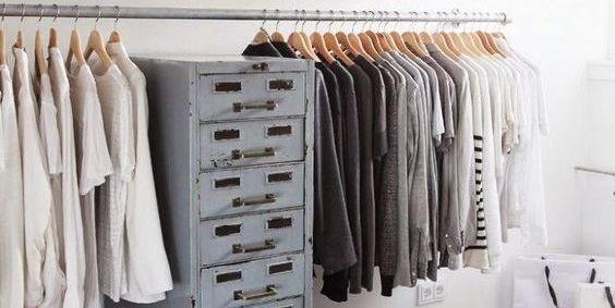¿Quieres un vestidor como el de las influencers? Sigue estos consejos Elle Decor, Home, Industrial Style, Tips, Ad Home, Homes, Haus, Houses