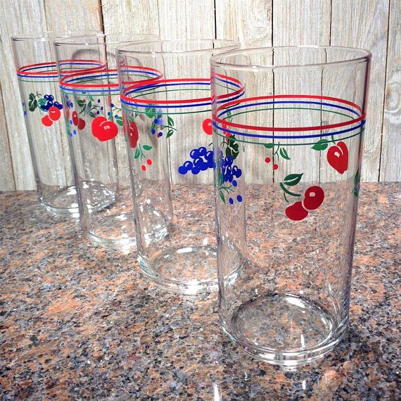 Vintage Glass Tumblers, 4 Corelle Berries and Cherries Fruit Themed Drinking Glasses, 16oz Tall Corning Glass Coolers, Vintage Glassware Set