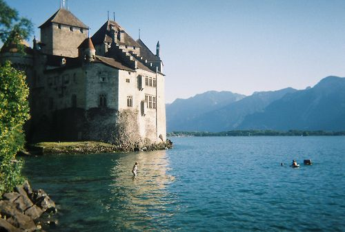 Chateau de Chillon. Switzerland (by Alejandro Melero Carrillo)     All things Europe
