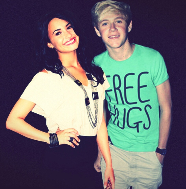 demi lovato dating niall from one direction One direction fans–and maybe demi lovato–are going to be bummed about this niall horan has a new girlfriend, and she's not an x factor judge but she is pretty adorable nialler is rumored to be dating a cute 20-year-old drama student named amy green.
