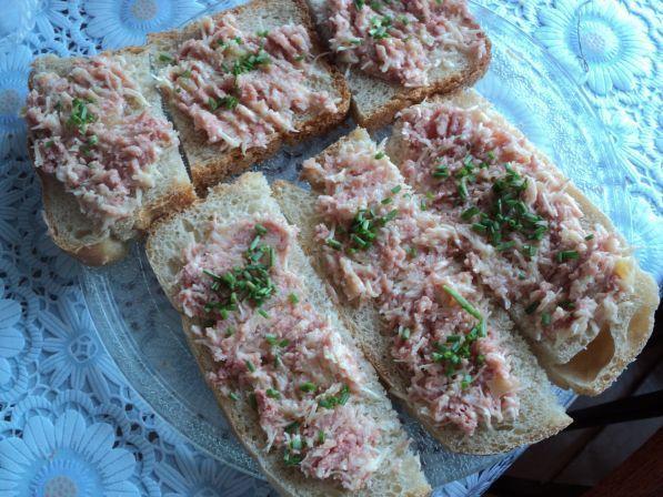 Горячие бутерброды на завтрак - Рецепты с фото. Готовим дома
