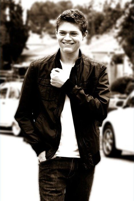 Sean Berdy (Emmet from Switched at birth) HE IS SOOO HOT!!!!!! Isn't he @Sonya Teel