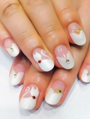 V-French mani with cat accent nail...I don't even like cats but this is cute