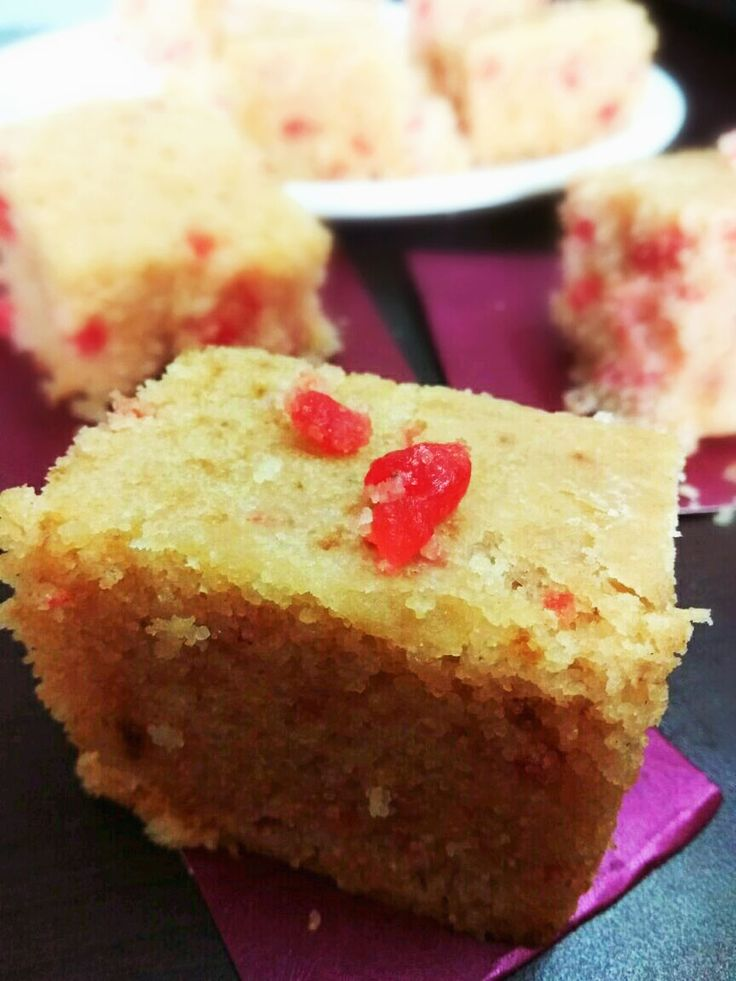 This Rava cake gives you a welcome change from regular Maida and whole wheat flour.