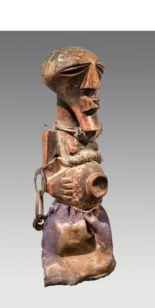 Statues africaines en bois en vente : Fetiche Nkisi Songye RDC