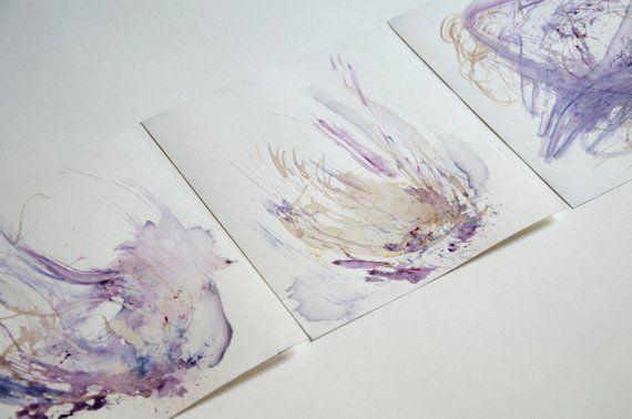 Triptyque aquarelle minimaliste, original. Pastel doux violet. tons bleus, roses et caramel de 8,5 po x 9 po chaque pièce   – Products
